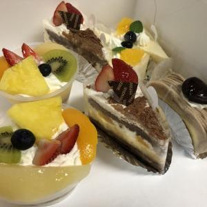 シャルロッテ本店のケーキ、プリン