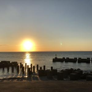 黒部市生地の夕陽と魚津市東山円筒分水槽