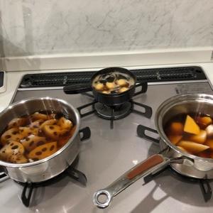 お煮しめ炊きは午前中にほぼ終わって映画「典座」で締める。