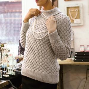 無料編み図プル☆キャッシュウールで編む大人シックなハニカムセーター