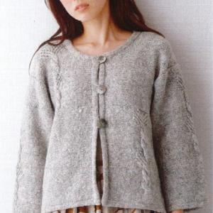 編み物キット☆シンプルなのに可愛い!!交差と透かしのカーディガン