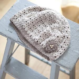 無料編み図プレゼント帽子☆オーガニック100%のお糸で♪すっぽりかぶれるベレー帽