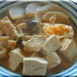 豆乳キムチ鍋とシェラカップ
