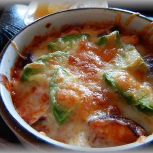 アボカドと茄子のトマトソース焼き
