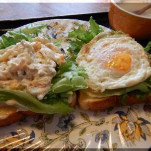 三田食パンで豪華オープンサンド~フワフワ
