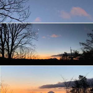 今日の富士山と月♪