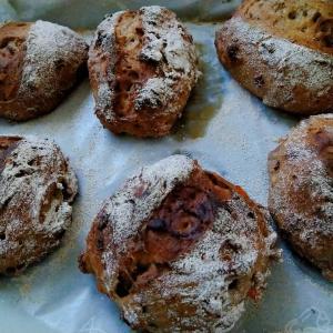 手作りパン「焼き初め」