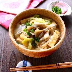 味つけはこれひとつ! 滋養たっぷり、たっぷりきのこのすっぽんスープうどん。