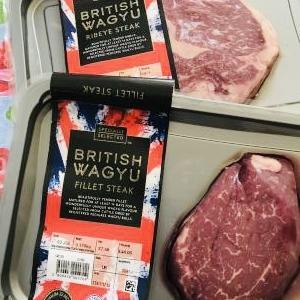 英国ヨークシャー産の和牛ステーキをチビチビ味わう♪