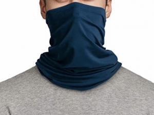 会社名入りマスクやスヌードが増えてきた英国