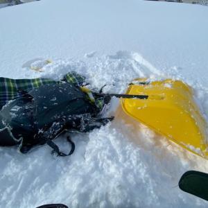 青森市は雪に沈む三連休、ダンスコイエローで屋根の雪を降ろしたりした