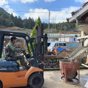 茶工場改修工事、床コンクリート打ち