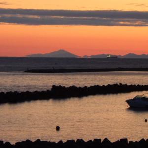 ジョギング 朝焼けの鳥海富士