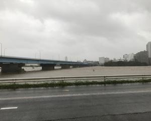 多摩川氾濫 寸前