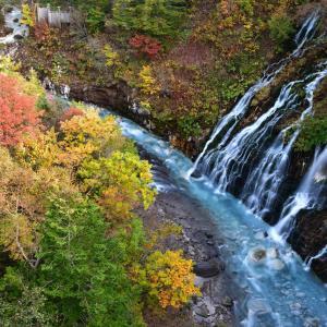 秋色、白ひげの滝