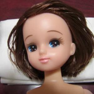 リカちゃんの髪のべたつき~。③