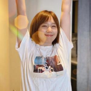 """本田翼のTシャツバストショットが艶すぎる!""""サイズアップ説を裏付ける""""1枚"""