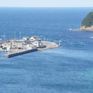 海上の港町