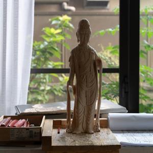 一日 仏像彫刻してました