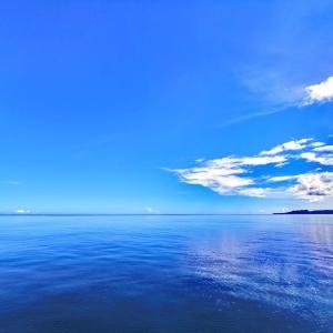 正真正銘の沖縄の夏の海来る