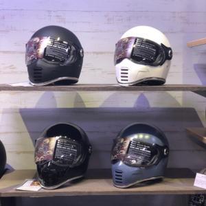 ワールドポーターズ唯一のヘルメット取扱店