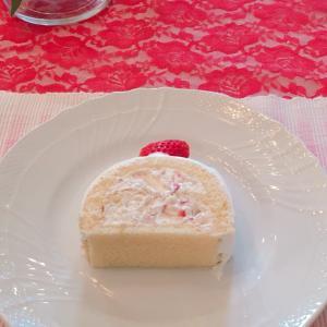 いちごのトヨ型ケーキ