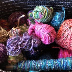 手織りの残り糸でポシェット