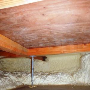 床下基礎内断熱工法はカビやすい