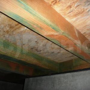 基礎内断熱工法の床下に漏水事故などが発生すると