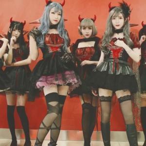 中国の?女装子アイドルグループ、「爱丽丝伪娘团」