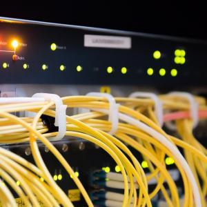 有線LANケーブルの壁内配線をDIYを諦めて業者へ依頼