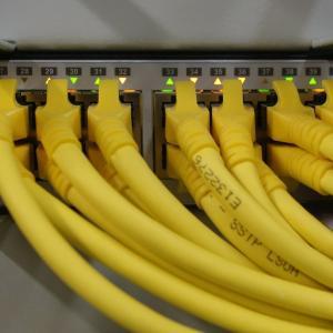 有線LAN環境が整ったので、ネットワーク速度をチェック