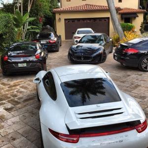 輸入ガレージ ドア  Overslider Garage  オーバスライダードア商品の豊かさ