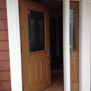 内開き玄関ドアを販売