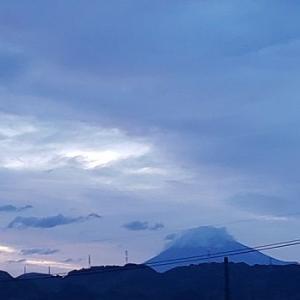 今朝の富士山と気になること