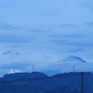 今朝の富士山と 孫の願いとじーじの願い
