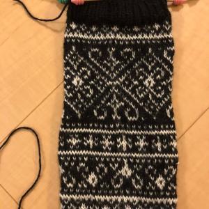 嶋田さんの本からレッグウォーマーを編み始める