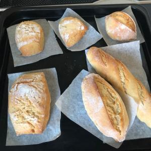 セモリナ粉でパンを焼く
