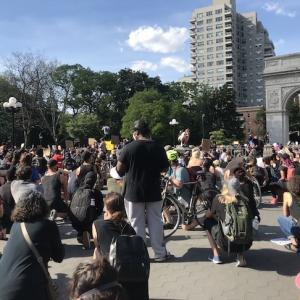 NY再開!警官による黒人殺害事件と、新しい世代が率いる「ブラックライヴズ・マター」