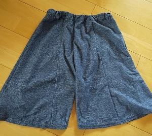 私のスカートを娘のパジャマズボンにリメイク