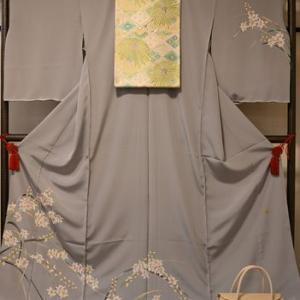 加賀友禅訪問着の蘭の着物・入卒時のお母さんの着物として加賀友禅を特集します