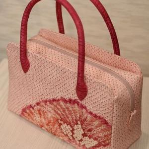 東京のお客様から依頼されたきもの再生のお仕事・絞り羽織からあおり型バッグを作る