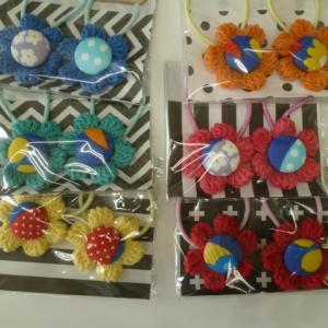 編み編みお花のヘアゴム