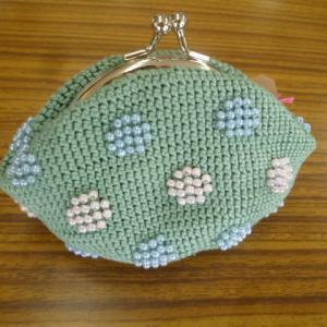 ビーズ編みがま口・水玉