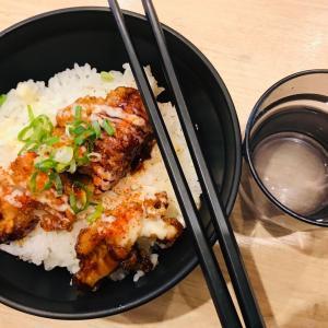 水曜日の昼食は100円の唐揚げ丼2019.10.16