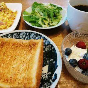 今週末も、乃が美パンで朝ごはん…⭐