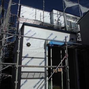 岡山のデザイナーズ住宅はエアコンスリーブを設置
