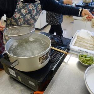 『不定期なクラス会に似た仲間の集まり』『メインは話&食』『今回は蕎麦の食事に甘物いっぱい』『一人飯よりワイワイと皆で食ってると楽しいですね』Gifu,Japan