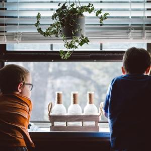 息子が「家に友達を呼びたい」と言ったら、あなたはどう答えますか