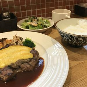 キッチンカネカ/お肉屋さんが経営する洋食屋さんで週替わりランチのステーキ